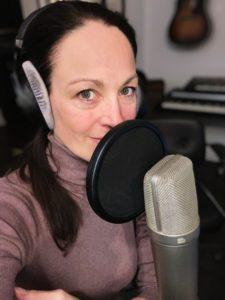 Annic im Radiostudio